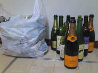 blog101219空き瓶.jpg